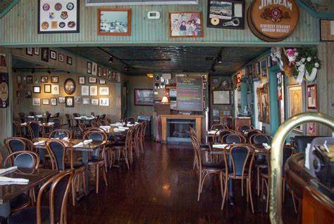 Uncle Ernie's Bayfront Grill - Panama City Restaurants on