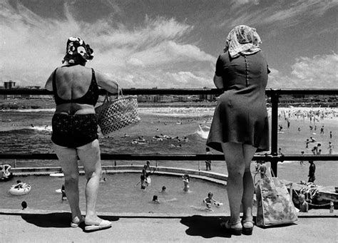 Black and White Photos of Daily Life in Sydney in the