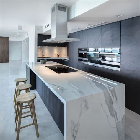 39 Trendy And Chic Waterfall Countertop Ideas - DigsDigs