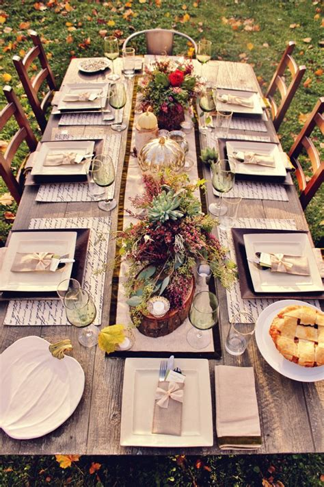 Outdoor Table Decorating for Thanksgiving Day - Pretty Designs
