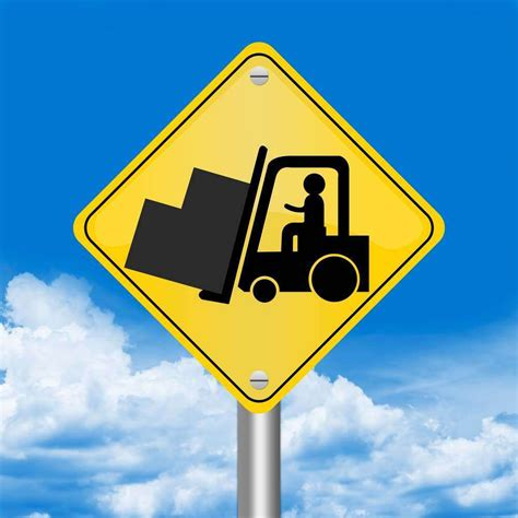 4 Forklift Safety Tips Every Highway Construction Crew