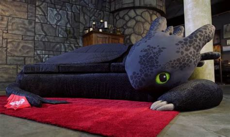 How to Train your Dragon Toothless Couch - Technabob