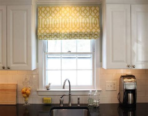 Window Treatments for Small Windows in Kitchen – HomesFeed