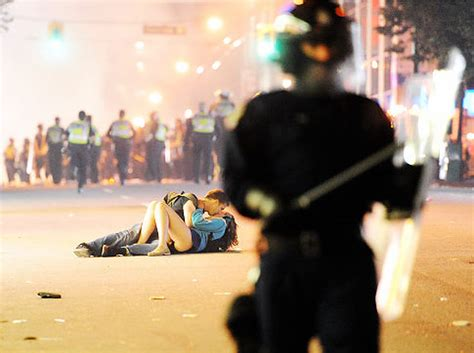 Couple who was photographed kissing during Vancouver riots