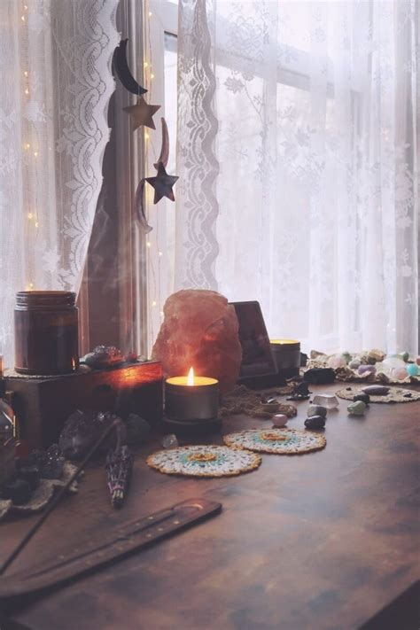 Waning Moon Ritual for Letting Go & Making Space | Making