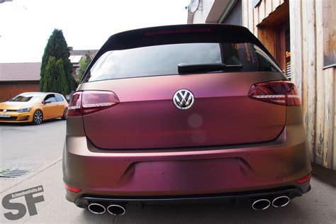 Golf 7 R Wrapped in Sparkling Berry Matte - autoevolution